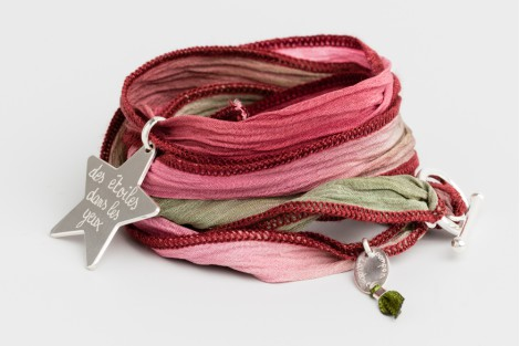 Bracelet ruban de soie Bohème avec médaille 2.7cm et fermoir en argent