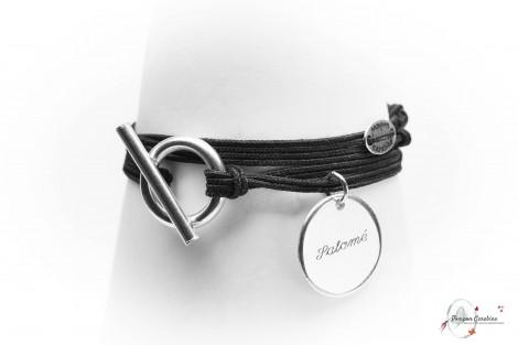 Bracelet Caravelle personnalisé gravé avec médaille et fermoir
