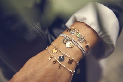 Pompon Carabine bracelet gravé